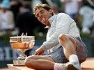 Rafael Nadal slaví devátý triumf na pařížském Roland Garros.
