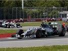 Nico Rosberg na Mercedesu projíždí tratí v Montrealu.