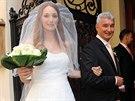 Dcera Světlany Nálepkové a Michala Nesvadby Josefína v den své svatby.