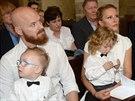 Manželé Simona Krainová a Karel Vágner nechali pokřtít své dva syny, kmotrou...