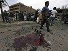 Favorit afghánských prezidentských voleb Abdulláh Abdulláh přežil pokus o atentát (Kábul, 6. června 2014).