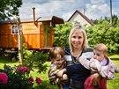 Zuzana Kosová se synem a dcerou využívá maringotku každý den.