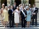 Rodinné foto s kmotry ze křtu švédské princezny Leonore (Stockholm, 8. června 2014)