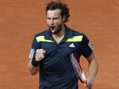 JO! Lotyšský tenista Ernests Gulbis se raduje ve čtvrtfinále Roland Garros.