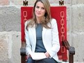 �pan�lsk� princezna Letizia v klasicky form�ln�m outfitu.