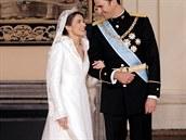 Za korunn�ho prince Felipeho se Letizia vdala p�ed deseti lety. Obl�kla �aty z...