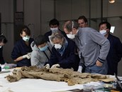 Vědci našli nejstarší vlněné kalhoty na světě, ušili je před 3 200 lety.