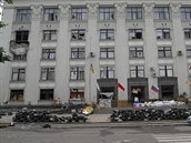 Budovu v Luhansku okupuj� proru�t� separatist� od konce dubna a z��dili si tam...