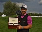Golfista Lukáš Tintěra převzal hodinky za milion korun.