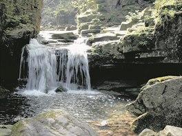 Mezi krásy Moravskoslezského kraje patří i romantické Rešovské vodopády...