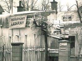 Kuřátkova restaurace s ledárnami stávala na náměstí Republiky v Novém Městě nad...