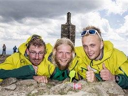 Trojice norských studentů podporuje školáky v Africe tak, že zdolává nejvyšší...