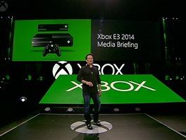 Tiskovku Microsoftu zahájil Phil Spencer. šéf divize Xbox