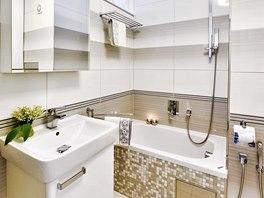 Koupelna Evy je vybavená akrylátovou vanou Teiko, umyvadlem se skříňkou Keramag