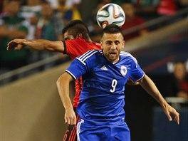 Vedad Ibiševič (v modrém) z Bosny a Hercegoviny a Miguel Ponce z Mexika v...