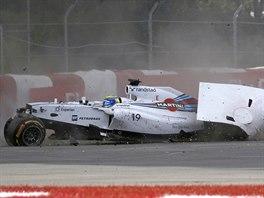 Pilot týmu Williams Felipe Massa v závěru závodu v Montrealu zle havaroval. Z...