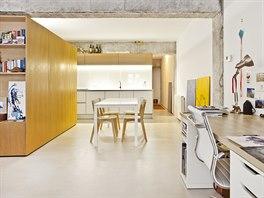 Společná zóna poskytuje zázemí pro všechny aktivity od vaření, po stolování,...