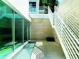 Kromě velkoryse pojatých bytů s terasami si rezidenti mohou užít i posezení ve...