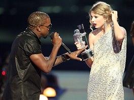 Kanye West v roce 2009 přerušil děkovnou řeč kolegyně Taylor Swiftové na MTV...