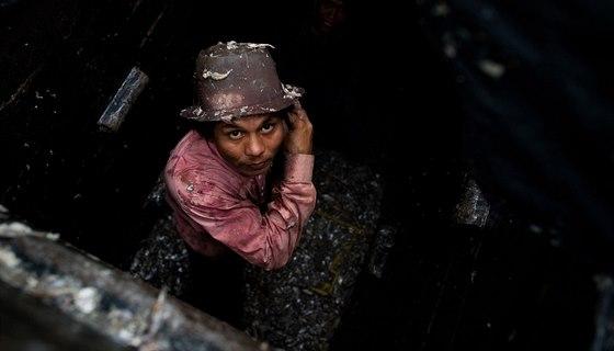 Z uprchlíků z okolních států se v Thajsku mnohdy stávají moderní otroci. Často...