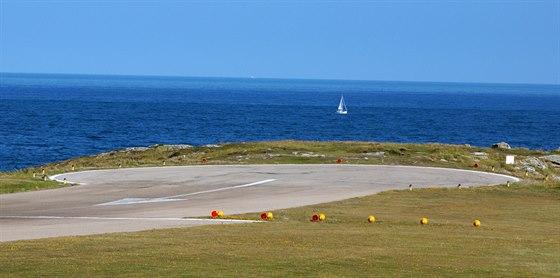 Dráha 14 letiště St Mary´s končí na útesu nad mořem