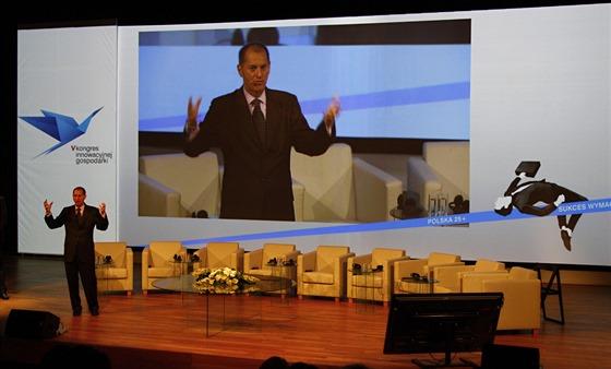 Gary Shapiro přednáší na akci CES Unveiled spojené s Kongresem innowacyjnej gospodárki ve Varšavě 17.6.2014.