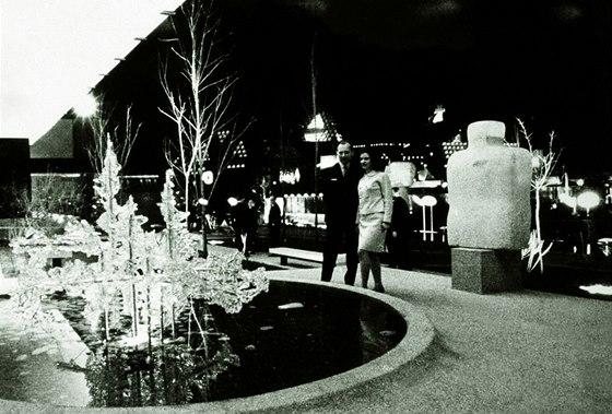 Exteriérová fontána před čs. pavilonem na Expo '67 v Montrealu