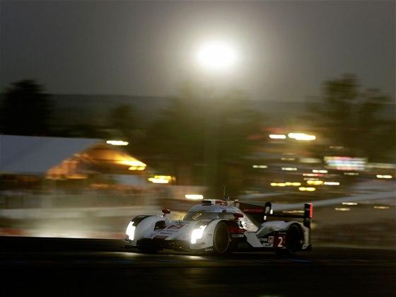 Audi R18 e-tron quattro v závodě 24 hodin Le Mans 2014
