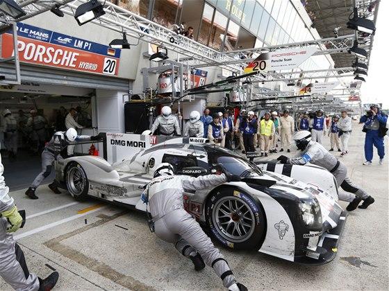 Porsche 919 Hybrid v závodě 24 hodin Le Mans 2014