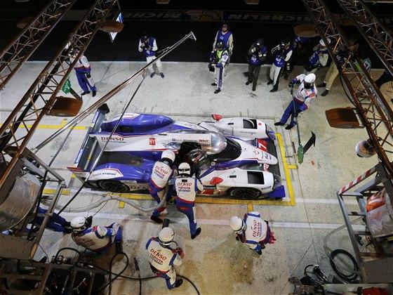 Toyota TS040 Hybrid v závodě 24 hodin Le Mans 2014