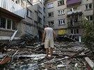 Domy ve Slavjansku poničené dělostřelbou (10. června 2014)
