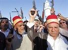 Iráčtí šíité demonstrují ochotu bojovat proti sunnitským povstalcům (18. června...