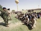 Šíitští dobrovolníci ve výcvikovém táboře nedaleko Bagdádu (18. června 2014)
