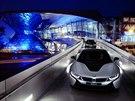 BMW u� p�edalo prvn� auta s laserov�mi sv�tly sv�m z�kazn�k�m|