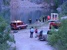 Muž skočil do lomu Amerika na Berounsku. Záchranáři ho vytáhli mrtvého...