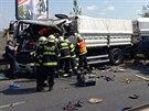 Nehoda dvou n�kladn�ch aut zastavila provoz na �t�rboholsk� radi�le. Jeden z