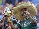 Mexičtí fanoušci se poznají okamžitě. Sombréro, to je jejich jasný...