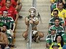 Aztécký fanoušek Mexika během zápasu s Brazílií