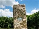 Energetické kameny v Klentnici na Břeclavsku. Z menhirů vyloupal vandal...