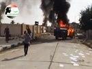 Islamisté při obsazování vojenské základny v Tikrítu (12. června)