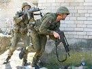 Litevští vojáci na cvičení Sabre Strike v Pobaltí