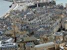 Pohled na opevněné historické městečko St. Malo v Bretani. Odliv a příliv zde...
