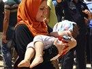 Uprchlíci z iráckého Mosulu míří k oblastem pod kontrolou kurdské samosprávy.