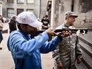 Armádní muzeum Žižkov nabídlo návštěvníkům střelbu z kuše i vzduchovky či...