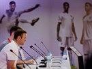 Anglick� �to�n�k Wayne Rooney na tiskov� konferenci v tr�ninkov�m komplexu Urca...