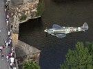 Nad centrem Prahy se proletělo legendární letadlo Spitfire. (17. června 2014)
