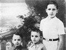 Tři synové Fortunée Benguiguiové, zavraždění plynem v Březince roku 1944 (z