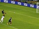 Francii poslal proti Hondurasu do vedení proměněnou penaltou Karim Benzema.