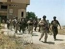 Vojáci irácké armády se připravují na střet s islámskými radikály (Mosul, 9....