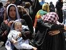 Uprchlíci z iráckého Mosulu míří k oblastem pod kontrolou kurdské samosprávy...